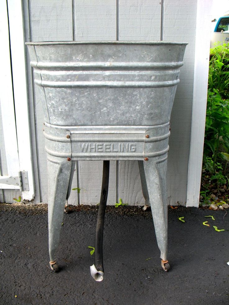 14 Genius Ways To Repurpose Galvanized Buckets And Tubs: Galvanized Wash Tub & Stand