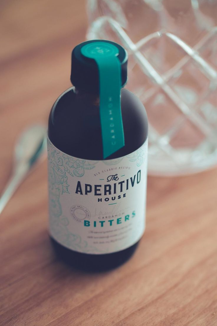 Mag & Martin, an Argentinian couple of photographers combined their two passions - aperitivi and photography- in a beautiful lifestyle blog where they share pictures of the recipes they prepare at home.  As spin-off product, the couple produced a small batch of homemade bitters that their followers can enjoy at home. GinGin created the branding for the labels, which feature botanical illustrations and a lovely signature which highlights the well curated and crafted nature of the products.