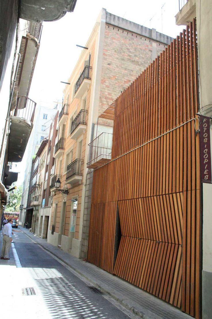 Garaje, terraza, jardín y piscina, Barcelona 2005. Toni Gironés