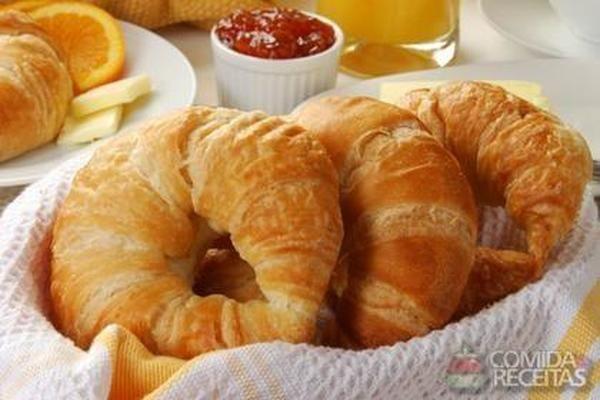 Receita de Croissant simples em receitas de paes e lanches, veja essa e outras receitas aqui!