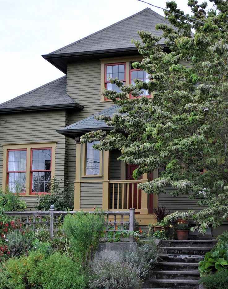 45 Best Craftsman Bungalow Colors Images On Pinterest Exterior Colors Home Ideas And Homes