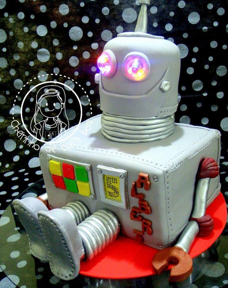Robot Cake All made of cake and fondant