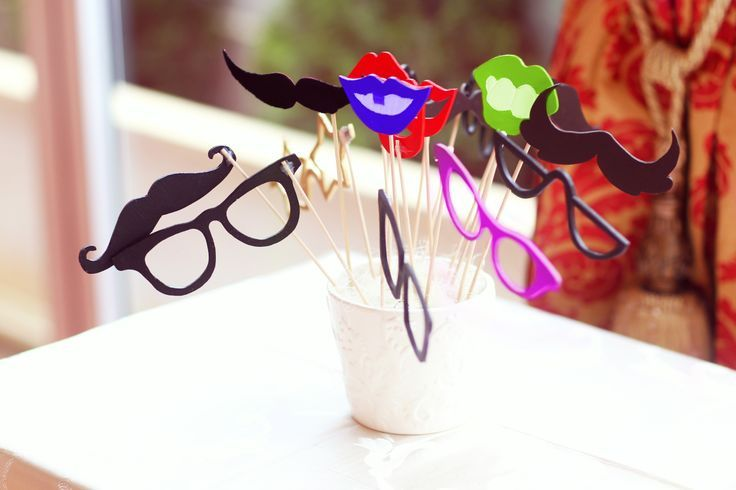 Keep your guests entertained with #PhotoProps. Enjoyable and inexpensive!