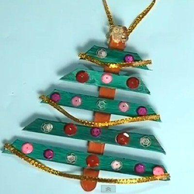 Quer uma dica de árvore de Natal barata e divertida para fazer com a criançada? Essa sugestão pode s
