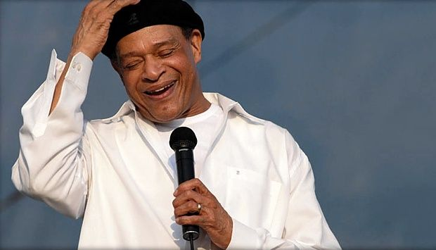 (February 8, 2017) Last week we informed SoulTrackers that legendary jazz singer Al Jarreauwas hospitalized in Los Angeles after feeling weak with shortness of breathis ailing, and is currently resting in Los Angeles. His ailment forced him to cancel planned performances on The Jazz Cruise. Now word has come that the ailment will sadly cause Jarreau to retire from touring.