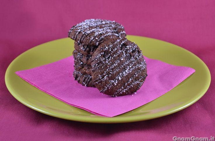 Scopri la ricetta di: Biscotti vegani al cocco e cioccolato