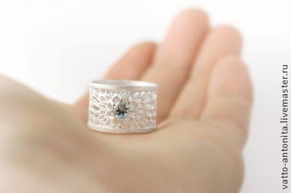 """""""Льдинка"""" кольцо из серебра с голубым топазом - белый,кольцо серебро,кольцо из серебра"""