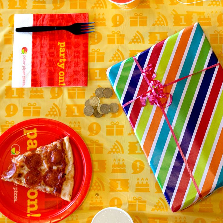 A Peter Piper Pizza birthday party package includes everything, so you can focus on celebrating the big day. From table decorations to place settings, we've got it all covered! Let us handle your party setup!