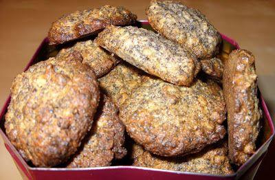 Csiperke blogja: Meggyes-mákos zabpelyhes keksz
