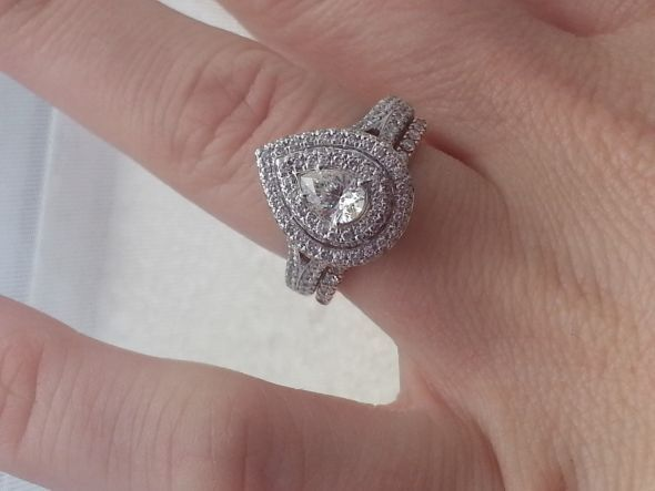 Beautiful Neil Lane ct white and rose gold ct diamond ring Product number
