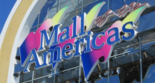 #FindFunFast with #family and #friends in #Miami at #Mall of the #Americas. #ThingsToDoInMiami #VisitMiami #FindFunInMiami #Florida #Shop #Attractions