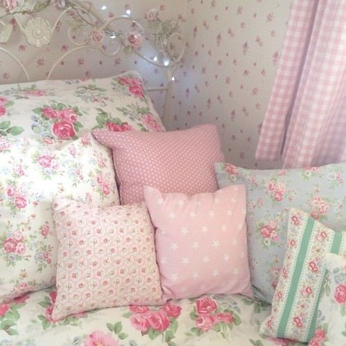 214 best images about shabby chic on pinterest romantic for Cath kidston style bedroom ideas