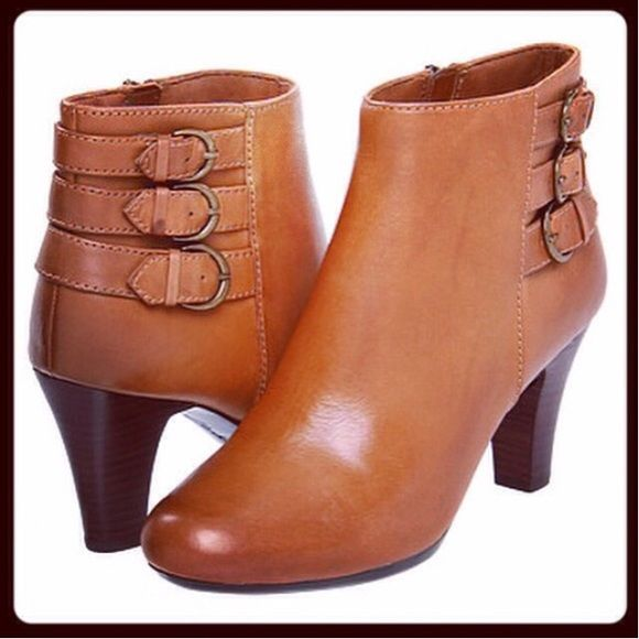 "❤️HOST PICK x2❤️ Clarks tan leather ankle boots All genuine leather, very soft lamb lined footbed, shaft measures 5.5"" from arch, heel measures 3"", and 0.75"" platform. Shaft opening is 10"" around. Flexible sole with rubber outsold for great grip. Full zipper on the inside for easy wearing. Worn 2-3 times, excellent condition, minor nick on the left heel. ⚠️Unless it is for bundles, I don't negotiate pricing through comments. Please use the ""Offer"" button if you'd like to negotiate a deal…"
