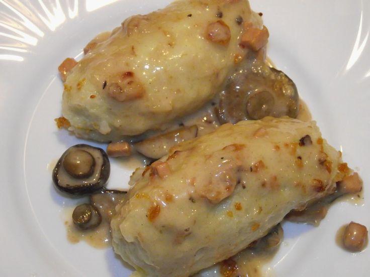 Rozpustne gotowanie: Kartacze (cepeliny) w sosie ze świeżych grzybów leśnych.