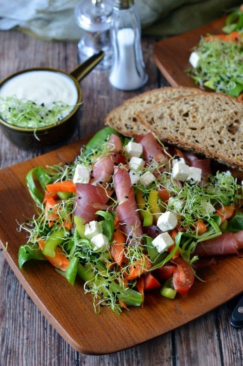 Sült sárgarépás, csírás saláta recept