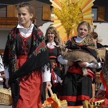 Pasqua in Valtellina tra fede, tradizione e cultura   #valtellina #sondrio #bormio #livigno #madesimo #valmalenco #alpi #inlombardia #italia #landscape #natura #montagna #travel #viaggiare #photooftheday #mountain #trekking #spring