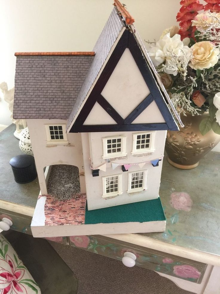 VINTAGE TRIANG DOLLS HOUSE Modified