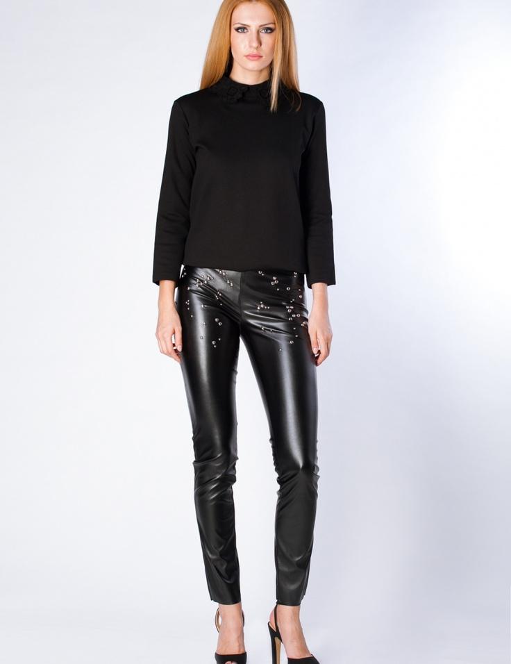 Pantaloni negri din piele cu tinte - Negru - TinaR.ro