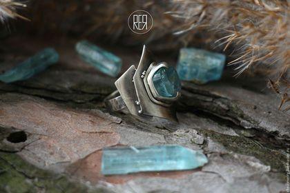 Кольца ручной работы. кольцо с аквамарином природной формы. Rheajewelry. Интернет-магазин Ярмарка Мастеров. Кольцо ручной работы, серебро