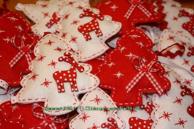rode en witte kerstbomen