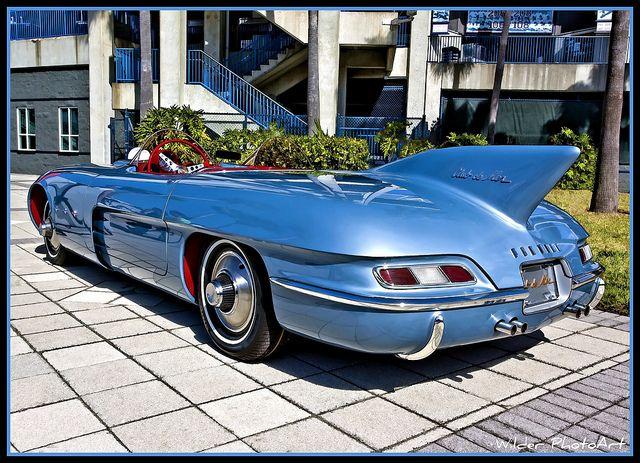 This has to be one of the strangest cars I've ever seen. 1956 Pontiac Club de Mer. #Pontiac