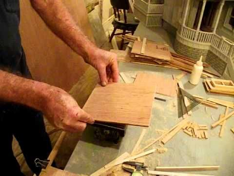 How To Operate Mini Table Saw