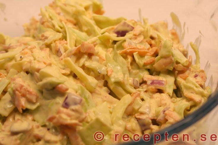 Coleslaw - Recept på coleslaw. En krämig och god vitkåls- och morotssallad. Gott och enkelt! Bilder steg för steg.
