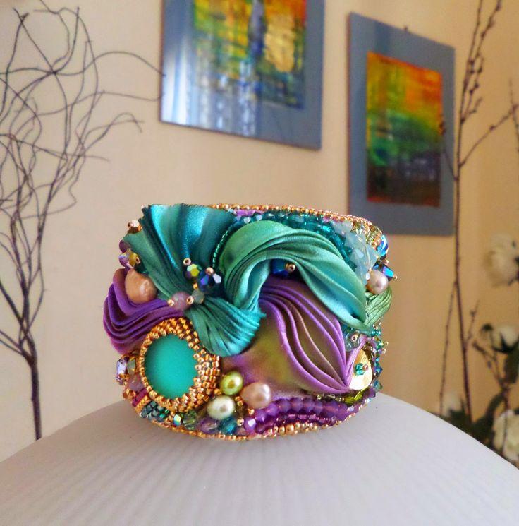 Featured artist:  Serena Di Mercione (a.k.a Serena Di Mercione Jewelry)  Signature Design: Shibori Jewelry   Introduction:  I stumbled upo...