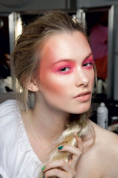 #Pink #Makeup #Beauty #Braid #Model #Runway #Backstage # ...