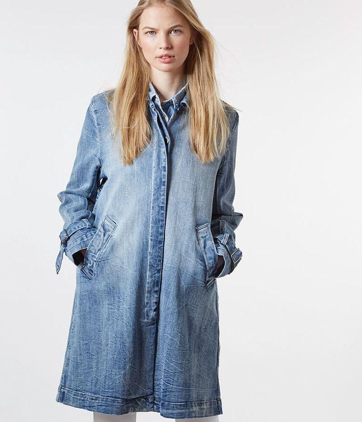 Extrem lässiger Jeansmantel im angesagten Used-Look von Summum.