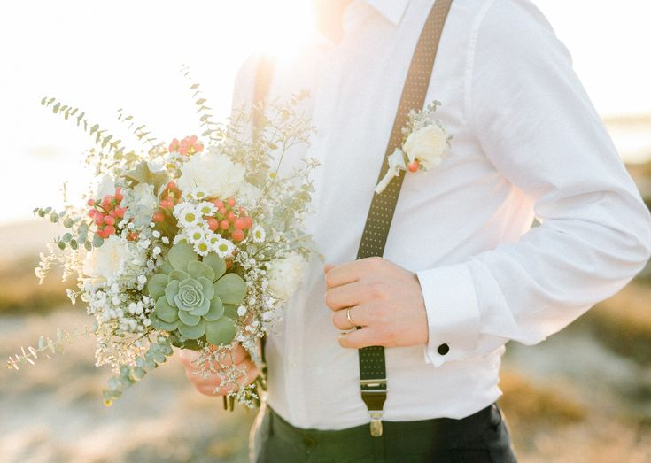 Have a Autumn wedding at the beach? Yes please!