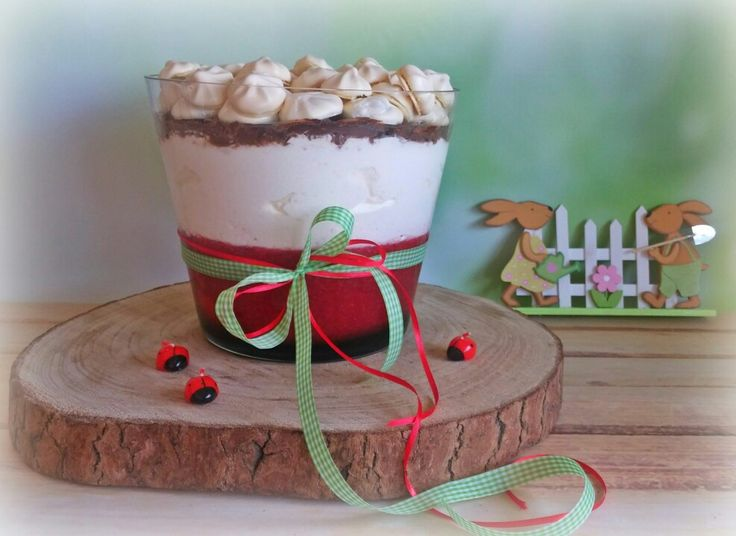 Strawberry with cream cheese mousse