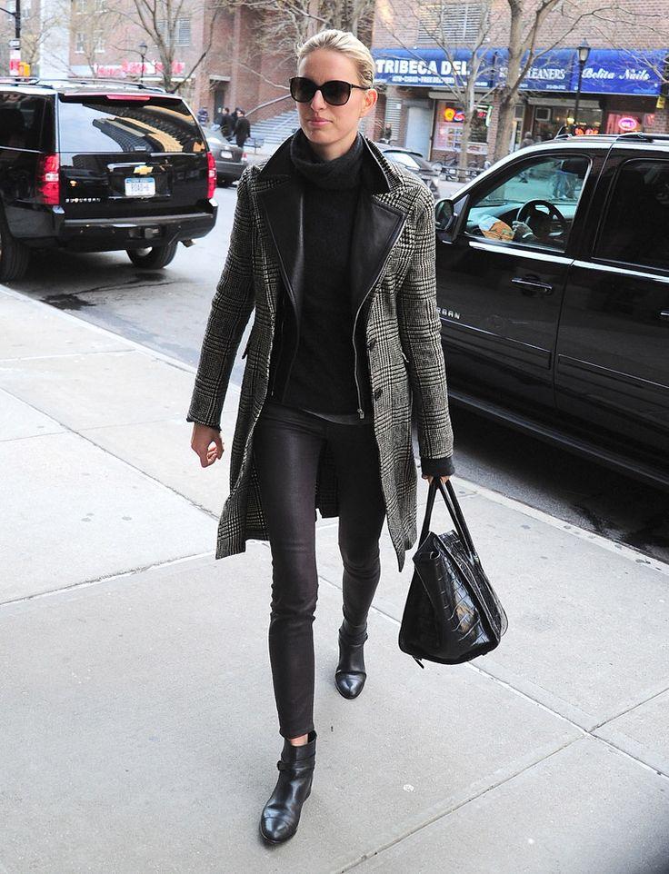 Los pantalones de piel son el must del celebrity street style. ¿Cuál es tu look favorito? KAROLINA KURKOVA
