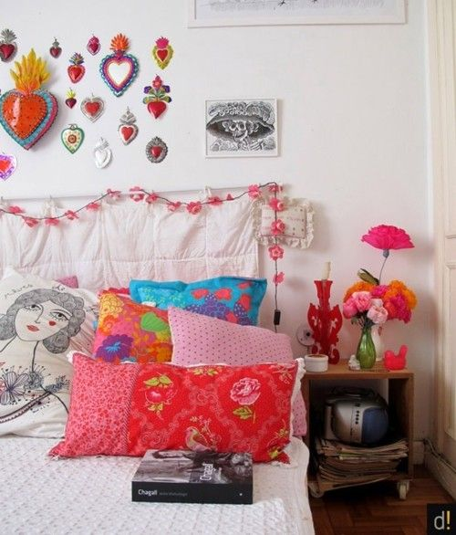 This reminds me of a photo of one of Betsey Johnson's rooms that I had about 20 years ago