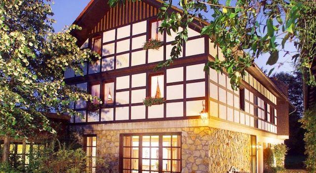Hotel Schwallenhof - 3 Star #Hotel - $87 - #Hotels #Germany #BadDriburg http://www.justigo.co.nz/hotels/germany/bad-driburg/schwallenhof_215364.html