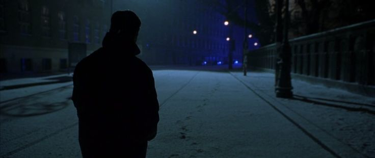 THE BOURNE IDENTITY (2002) Cinematographer: Oliver Wood Aspect Ratio: 2.39:1 Director: Doug Liman
