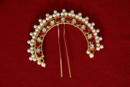 Traditional Maharashtrian Pearl Veni. Hair accessory... Goes best with a hair bun