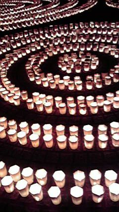 New year's eve candle lightings in Kamakura, JapanCandles Lights, Japan, Candle'S Lights, Eve Candles, De Luzes, Candles Ci, Years Candles, New Years Eve, Lights Offering