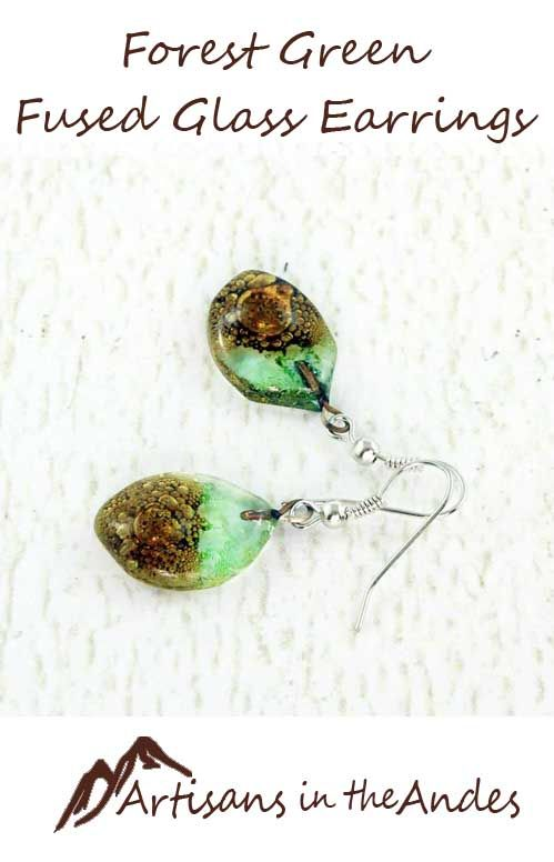 These charming earrings will remind you of walking through a forest in the sunshine. With their mixed shades of green and brown, and a touch of light reflected from the bubbles, you will find these beaded earrings evocative but calming, perfect for every day wear. #fairtrade #fairtradefashion #fairtradejewelry #fairtradegifts