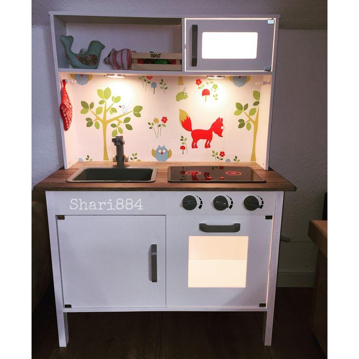 Elegant Kinderk che DIY K che komplett wei lackiert Arbeitsplatte mit Holzoptikfolie beklebt R ckwand und Licht zus tzlich