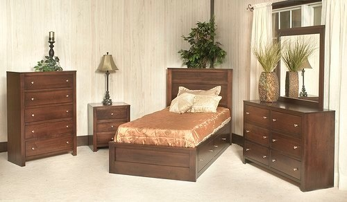 8800 Mates Bed Collection. Visit www.thenewoaktree.com for more children's furniture options.