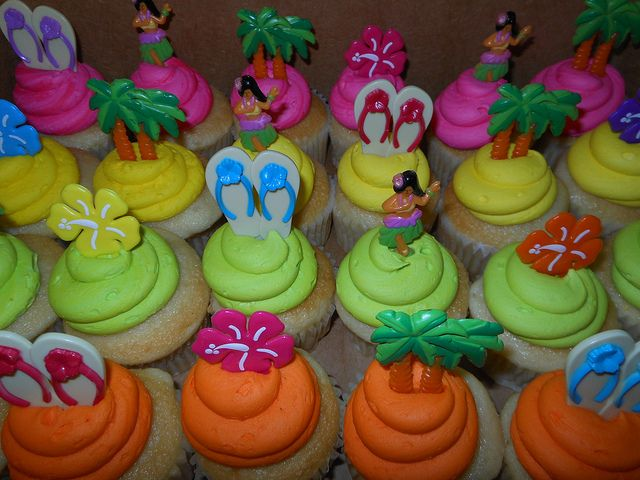 Luau Cupcakes | Luau cupcakes | Flickr - Photo Sharing!