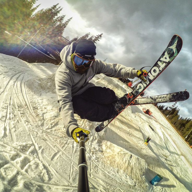 """Just say """"cheese"""" and grab! Level pro tem - Szczepan Karpiel adding a cool photo to his book! #levelgloves #skigloves #wintergloves @Szczepan Karpiel-Bułecka"""