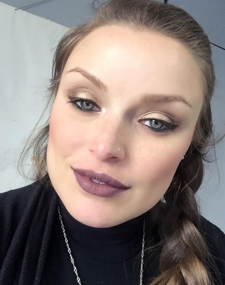 Look of the day ☺️ #bellezzaprecaria #look #lookoftheday #instalook #mood #moodoftheday #instamood #lotd #motd #makeup #makeuplover #makeupaddict #makeupoftheday #trucco #truccodelgiorno #beauty #instabeauty #beautyblog #beautyblog #beautyblogger #instablog #me #myself #selfie #instaselfie