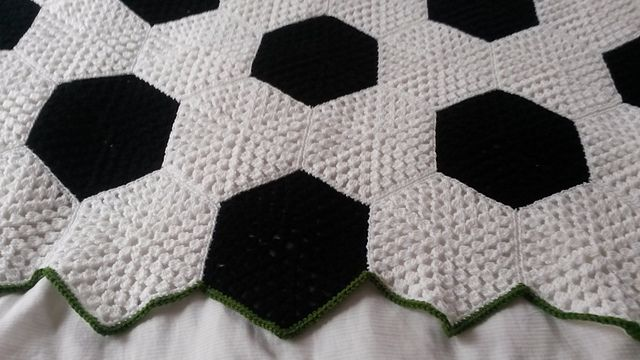 Ravelry: brysue's nat's soccer blanket - i's not soccer it's football!!! :p