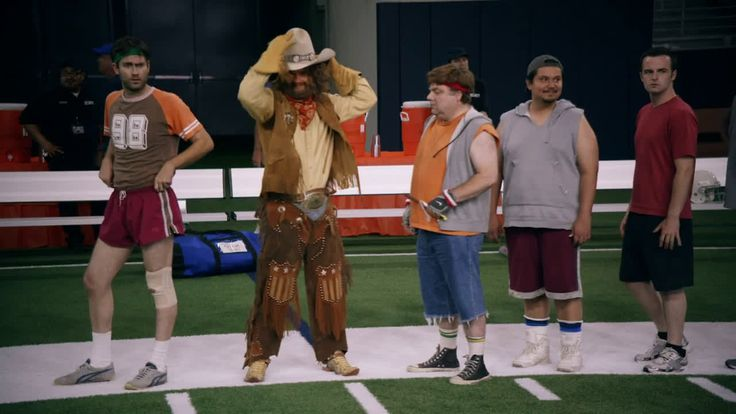 AbanCommercials: GEICO TV Commercial  • GEICO advertsiment  • Jason Witten -  Tryouts - The Caveman tries his luck at open tryouts • GEICO Jason Witten -  Tryouts - The Caveman tries his luck at open tryouts TV commercial • The Caveman tries his luck at open tryouts for the Dallas Cowboys with all-star tight end, Jason Witten. It's easy to see the Caveman has the cowboy spirit but he wouldn't last a second on the gridiron in all that leather. Those spurs probably wouldn't pass for cleats…