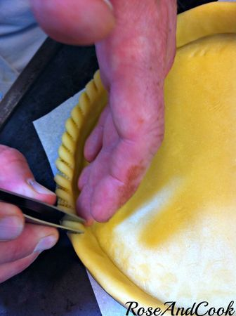 Foncer, chiqueter à la pince, décercler {astuces et technique tarte CAP pâtissier + video } - Rose & Cook