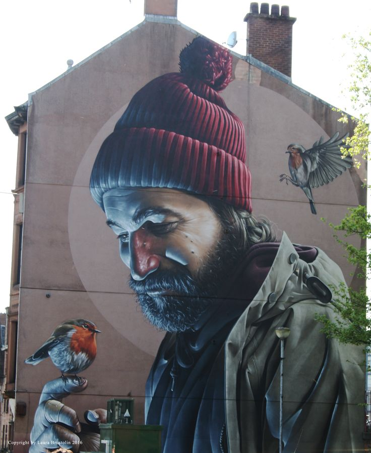 Smug street art in Glasgow.  #streetart #Smug