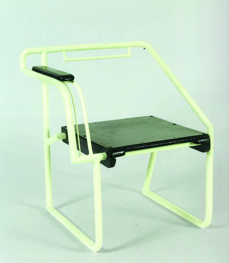 "Eileen Gray / Chaise - Chair ""Non-Conformiste"" / 1925-1928"