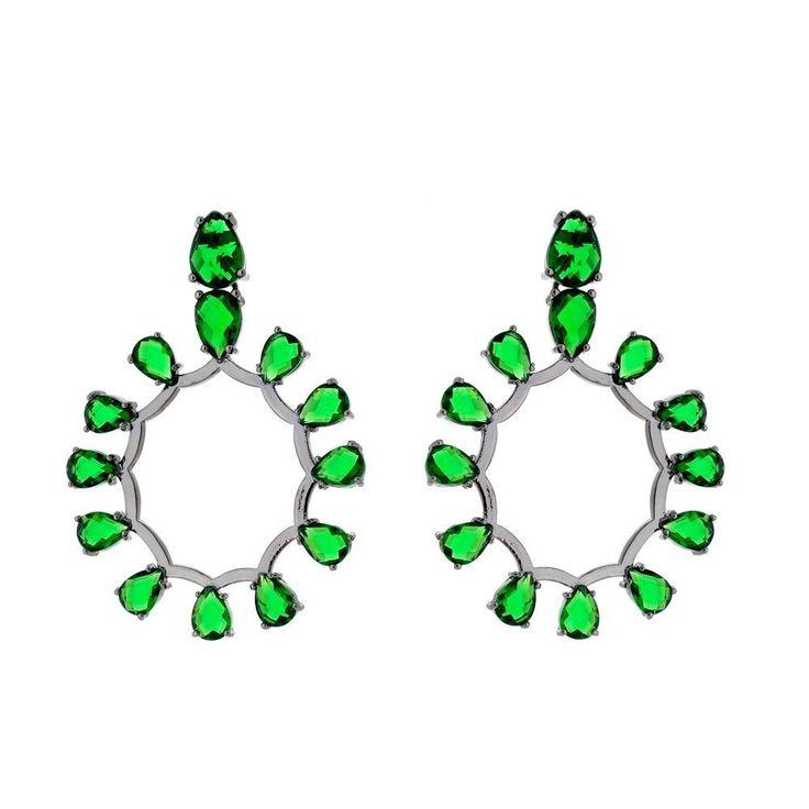Brinco folheado nuro negro com cristais verdes